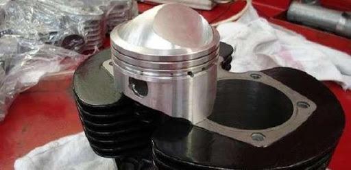 Réparation et tuning de motos anglaises