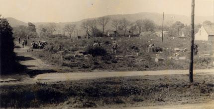 Photo: A régi temető felszámolása Képsorozat a Városi Könyvtár gyűjteményéből