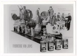 Photo: 1941 Deze Jamfabriek werd aan de Bredascheweg (Haagweg) opgericht in 1903 door Jan Lourens Henkes, (afb. produktieproces van Henkes)
