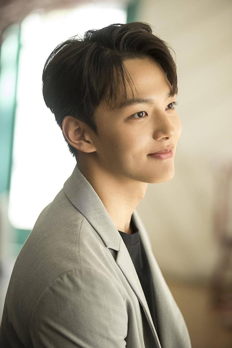 jingoo jungkook feature