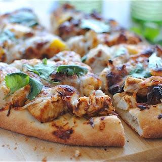 Simple Tandoori Chicken Naan Pizza Recipe