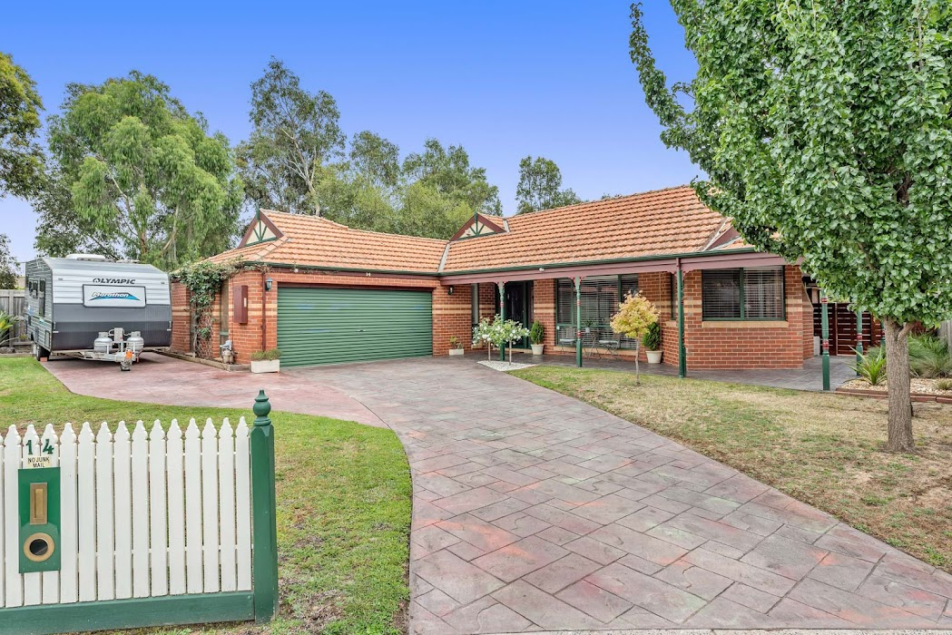 Main photo of property at 14 Fig Court, Cranbourne North 3977