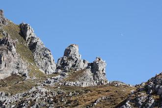 Photo: Les crêtes de Chabrières surplombant l'oucane. Derrière, la vallée de la Durance et le lac de Serre-Ponçon.