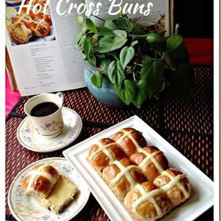 Hot Cross Buns (十字餐包).