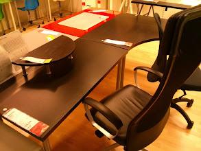 Photo: New Minimalist Desk?