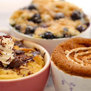 Blueberry Muffin Mug cake with Streusel Topping