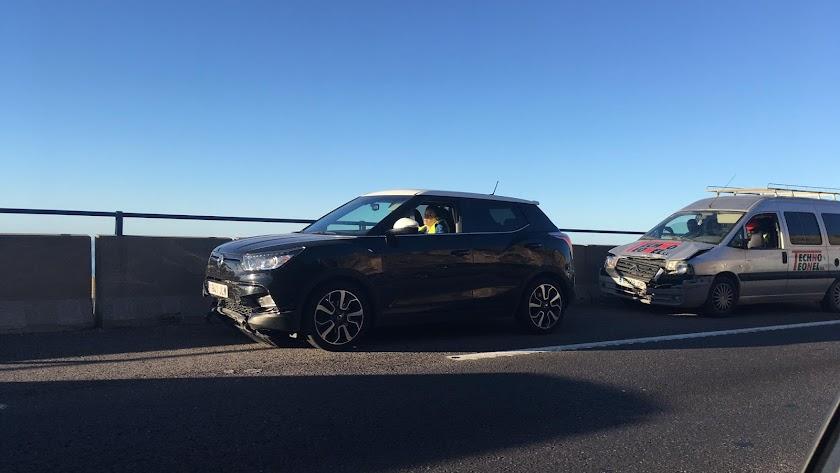 Nuevo accidente de tráfico en la A7. /Raúl Ramos