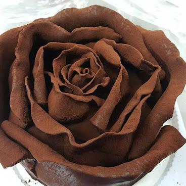 朱古力立體玫瑰花蛋糕