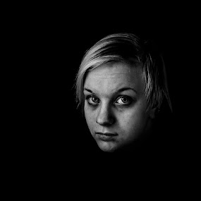 Back to the darkness by Annelie Hallberg - People Portraits of Women ( bw, nikon,  )