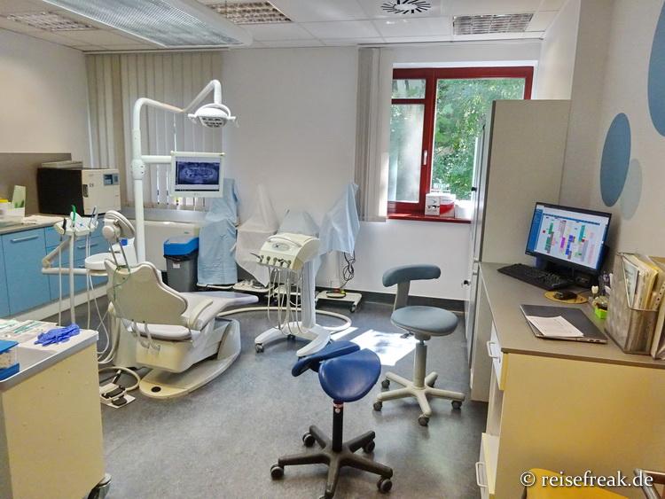 Eines der zahlreichen Behandlungszimmer von CosmoDent, Zahnklinik in Budapest