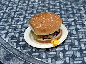 Photo: Loch March Famous Hamburger