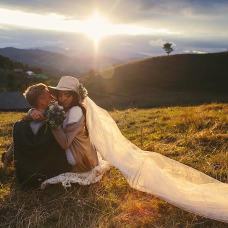 Wedding photographer Alena Kartushina (devochka). Photo of 21.09.2015