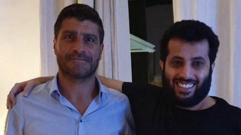 Pedro Emanuel con Turki Al-Sehikh.
