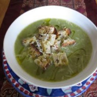 Broccoli Soup with Garlic & Chilli
