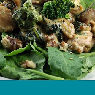 Chicken & Broccoli in Creamy Garlic Sauce.
