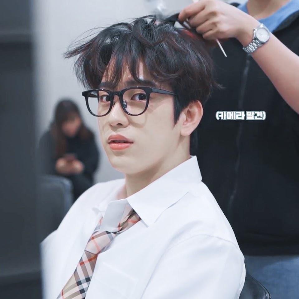 jinyoungspecs_9