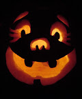 Cute, happy Halloween pumpkin. Photo by Lisa Callagher Onizuka