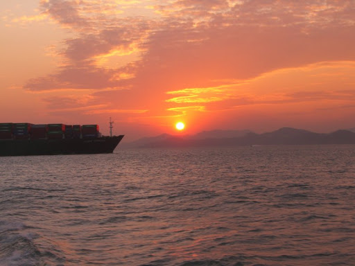 Sunset in Hong Kong, thanks to Mish