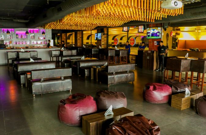 ipl-live-screening-bars-in-hyderabad_image