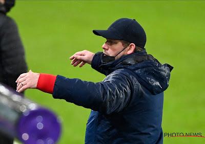 """Hein Vanhaezebrouck s'interroge: """"Le report du match a fait les affaires de Bruges"""""""