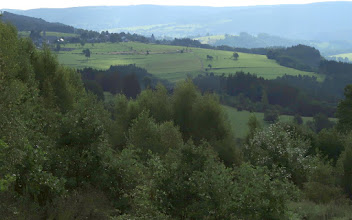 Photo: Vers Stoumont, la colline de La Gleize et le village de Roanne