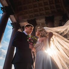 Wedding photographer Oleg Gurov (AmazinG). Photo of 22.09.2018