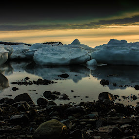 by Geoff Gosse - Landscapes Waterscapes