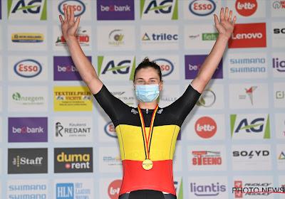 """Kopecky voor de eerste keer Flandrienne van het Jaar: """"Die overwinning zet ik hoger dan het BK"""""""