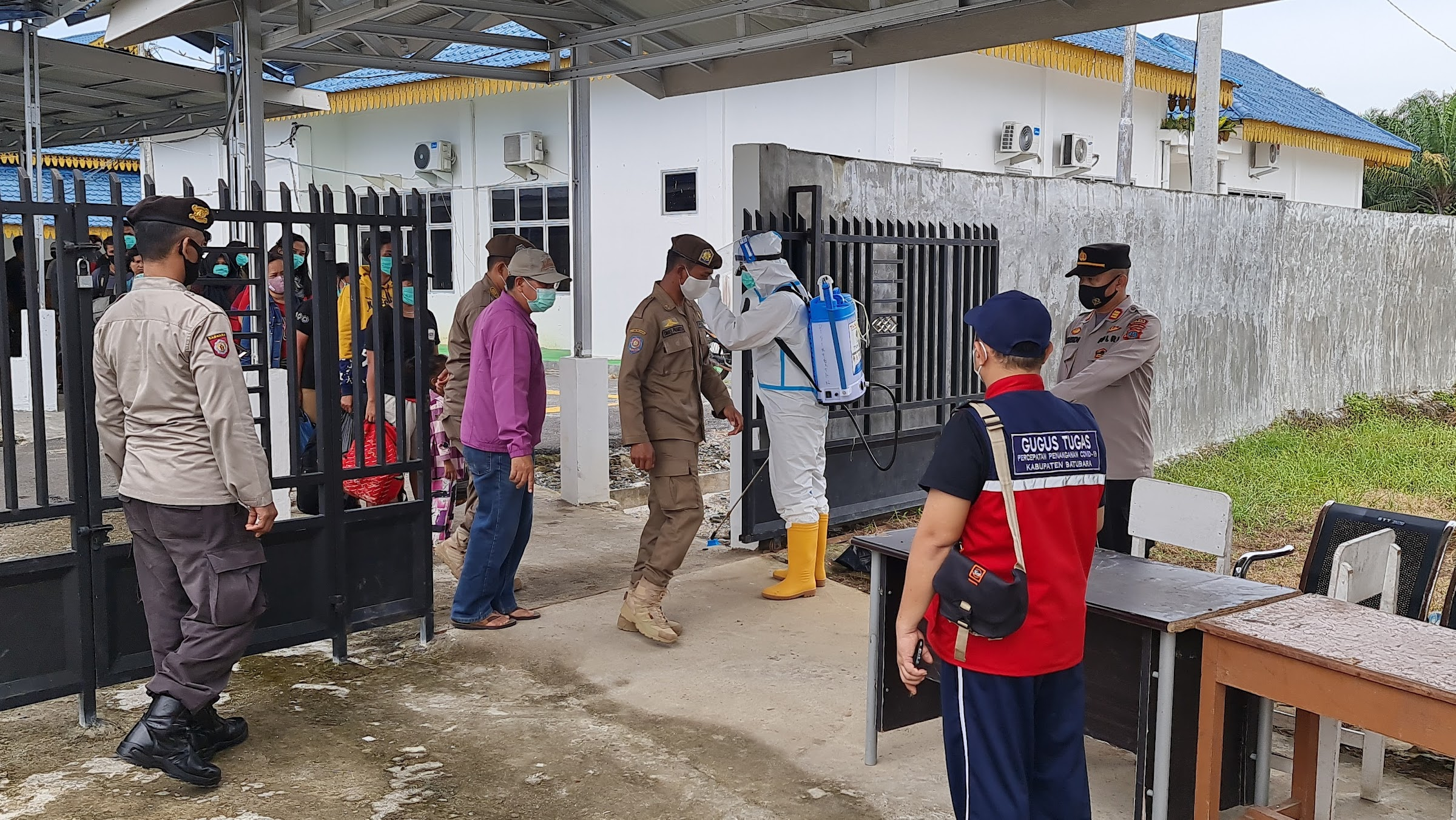 Kapolsek Lima Puluh Amankan 31 TKI Dalam keberangkatan Menuju Malaysia