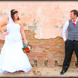 by Traci Corwin - Wedding Bride & Groom