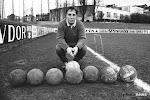 Beerschot huldigt voetbalicoon met bronzen borstbeeld én eigen kledinglijn