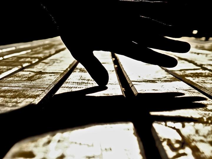 Touching Light di Silvio Lorrai