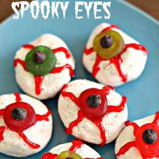 Spooky Eyes Halloween Treat (Mini-Donut Eyeballs)