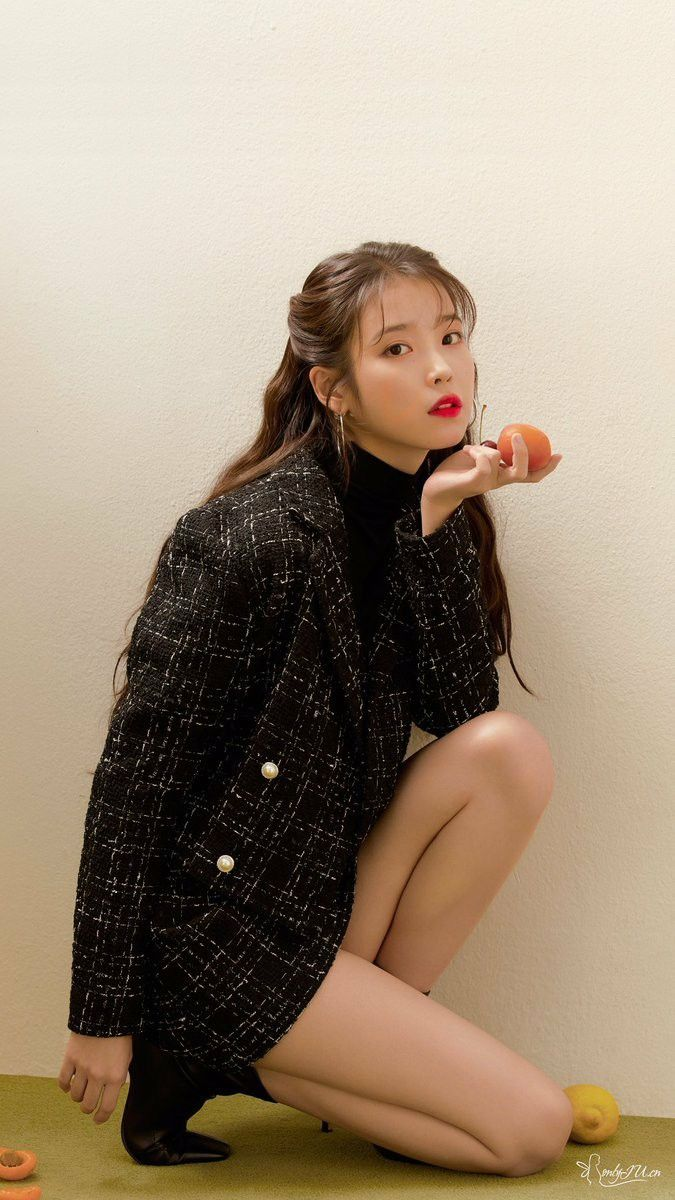 IU for 'HSTYLE' [Mobile Wallpaper]