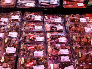 Photo: Fish market.  Clams.  Town Seven Food Market, Ogikubo, Tokyo.