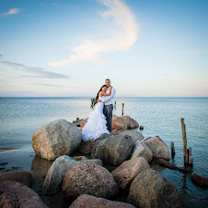 Wedding photographer Romuald Ignatev (IGNATJEV). Photo of 24.01.2015