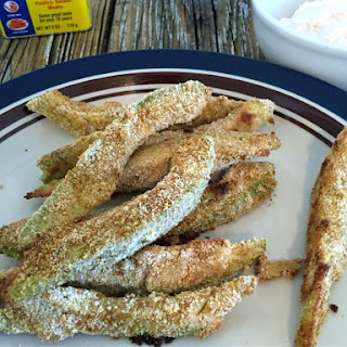 Crispy Baked Cajun Avocado Fries Greek Yogurt Sriracha Garlic Dipping Sauce