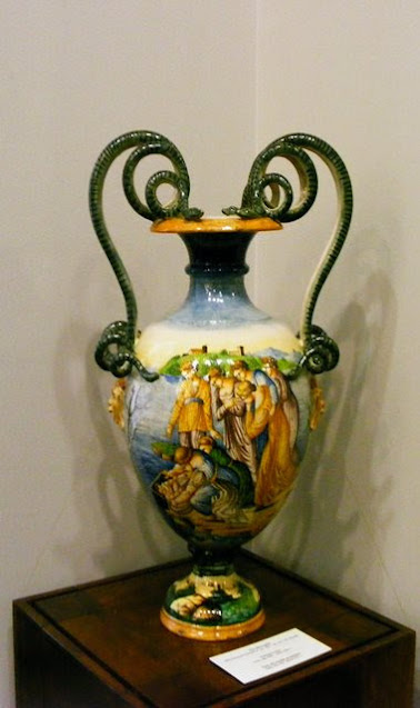 ITALIAN VASE AT MUSEUM OF ART COLLECTIONS BUCHAREST