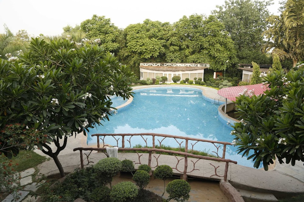 one-day-delhi-experiences-botanix-nature-resort_image