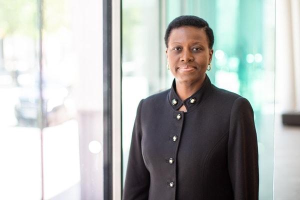 'N Eksklusiewe onderhoud: Sola David-Borha oor tegnologie-innovasie by Standard Bank