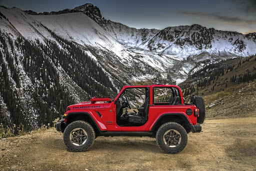 Jeep has finally unveiled pictures of the exterior of its next generation Wrangler.