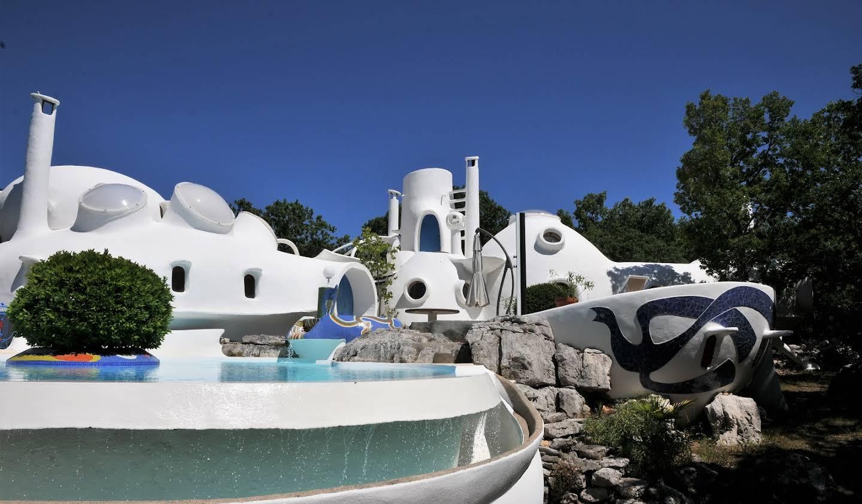 Maison contemporaine avec piscine et terrasse Aubenas
