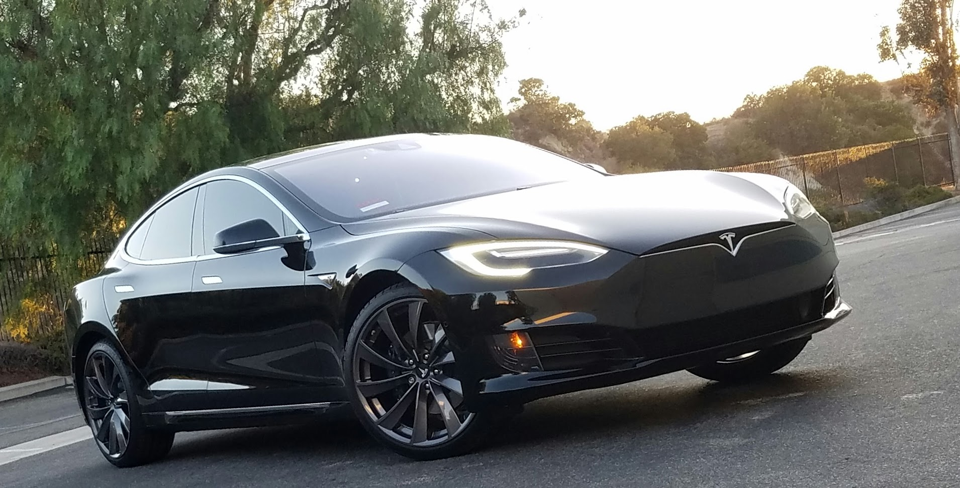 Photoshoot pics of black Refresh Model S | Tesla Motors Club