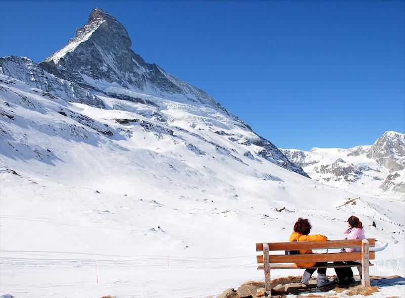 Una panchina sotto il Matterhorn di Luciano Fontebasso