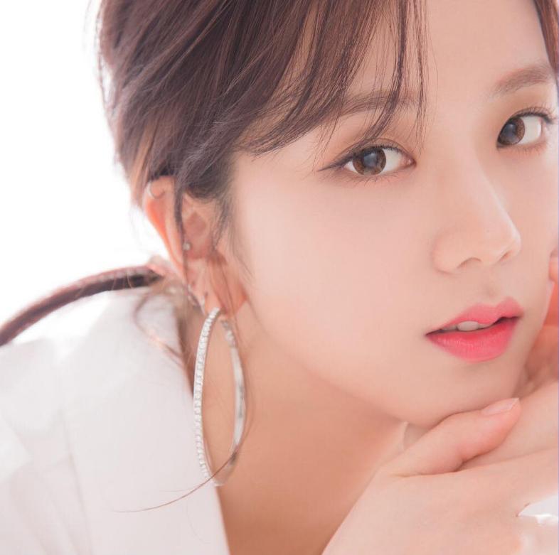 6 Makeup Essentials To Master Korean Beauty   KissAsian