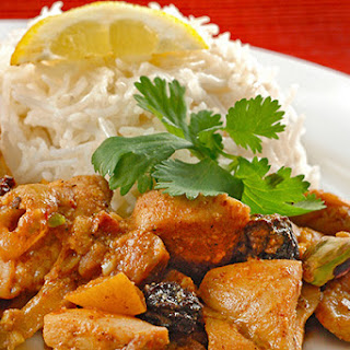 Chicken With Apricots In Lemon-Pepper Sauce