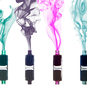 Smoke in your nails by Massimo Grassi - Artistic Objects Still Life ( colors, still life, nails, smoke )