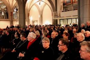 Die Antoniterkirche während der Gedenkstunde am 27. Januar 2015