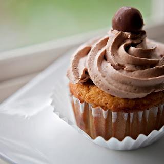 Vanilla Malted Milk Cupcakes
