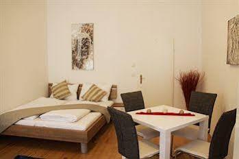 CheckVienna – Apartment Khunngasse